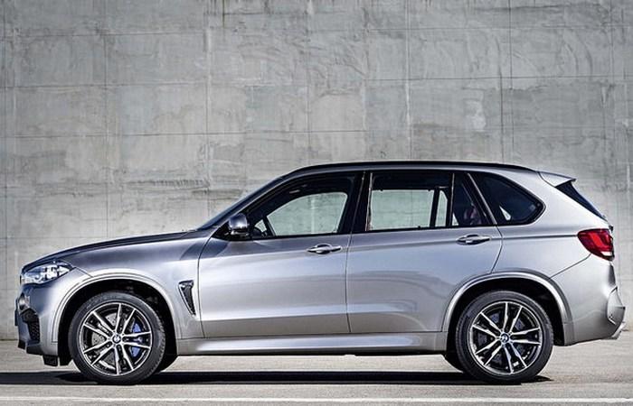 BMW X5 xDrive50i.