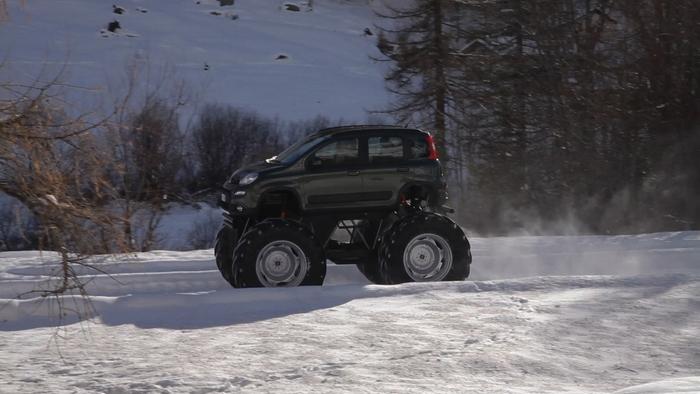 Монстр-трак Fiat Panda.