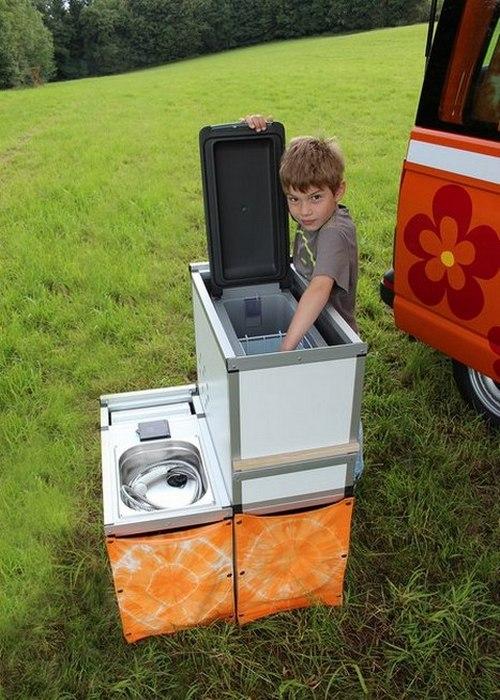 В автомобиле есть бак с водой на 12 литров.