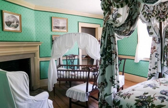 Спальня в доме Маунт-Вернон.