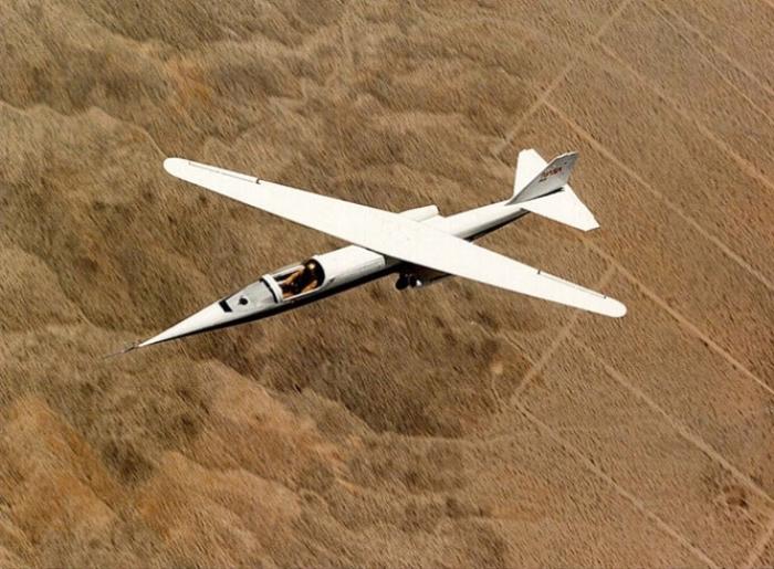Первый в своем роде самолет с косым крылом Ames AD-1.