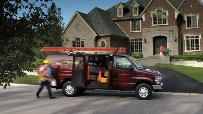 Ford E-Series Van: для спецпоездок и дальних путешествий.