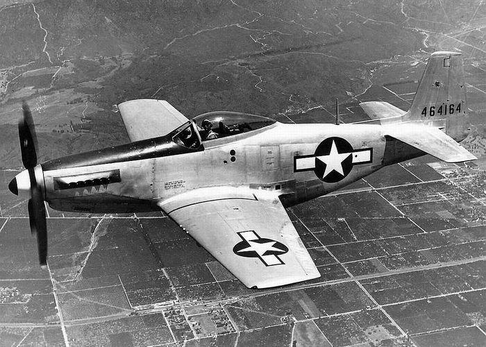 Самолет P-51.