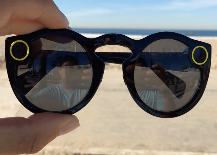 Дорожный гаджет: очки от Snap Inc..