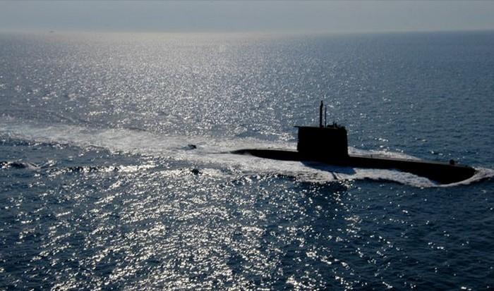 Электрическая подводная лодка.