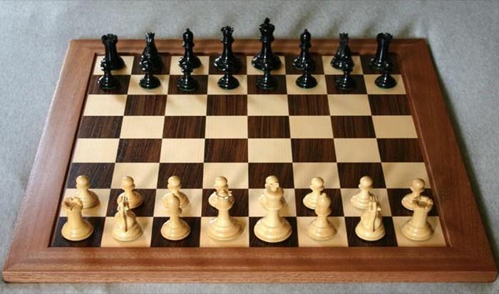 Лучший шахматист был побежден компьютером до 2000 года.