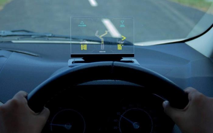 HUD дисплей и другие полезные автодевайсы.