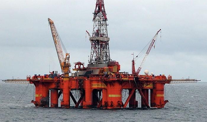 Нефтяная платформа на продажу.