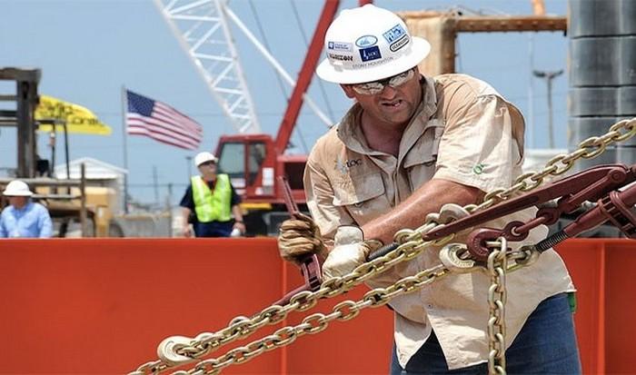 ЗП нефтяника США $100 000.