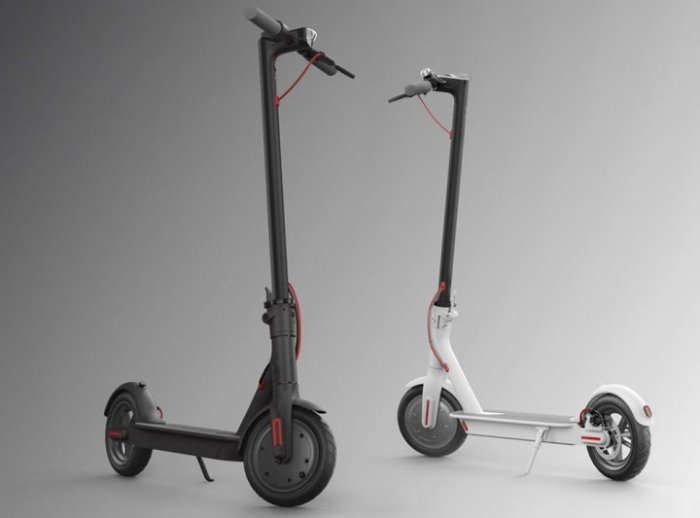 На Xiaomi Mijia Electric Scooter можно быстро доехать куда надо без общественного транспорта.