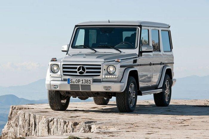 Mercedes-Benz G500.
