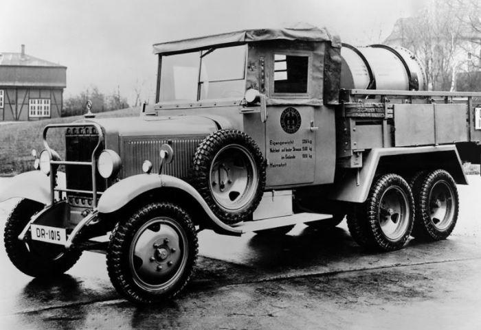 Первый большой автомобиль компании, который использовал букву Г.