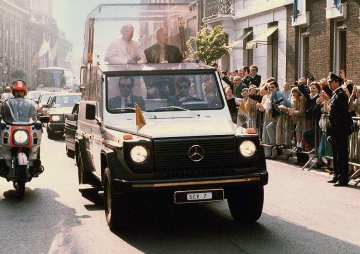 Для Папы был сделан специальный автомобиль.