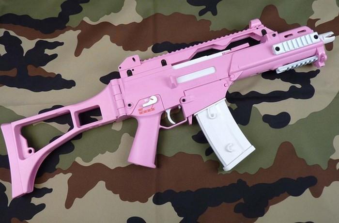 Сейчас: розовый цвет для девочек, голубой для мальчиков.