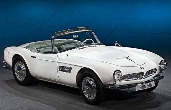 Автомобиль BMW 507.