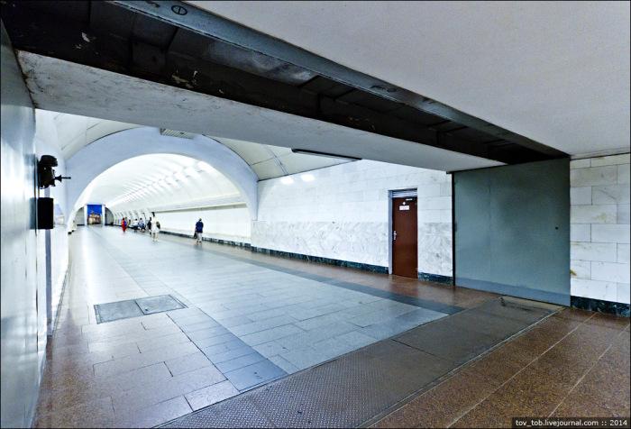 Здесь он выезжает из стены. |Фото: livejournal.com.