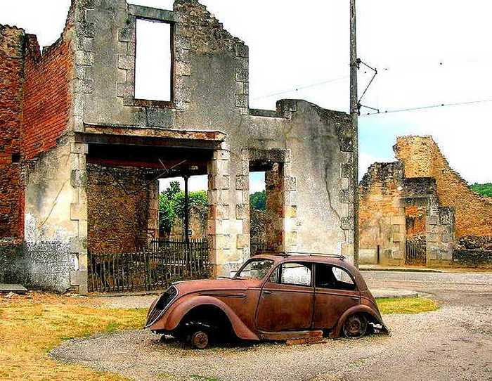 Орадур-сюр-Глан (Франция).