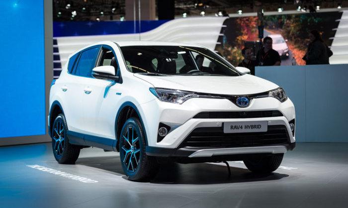 Гибридный внедорожник Toyota RAV4 Hybrid.