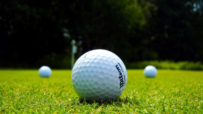 Ямочки на мячах для гольфа.