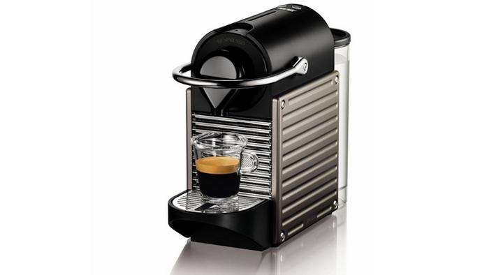 Хороший подарок: Nespresso Pixie Espresso Maker.