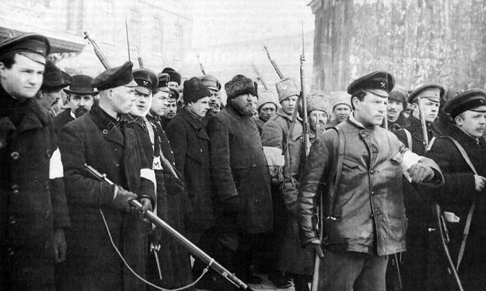 Городовых арестовывали революционеры, впрочем это было куда лучше, чем расправы разъяренной толпы. |Фото: yandex.ru.