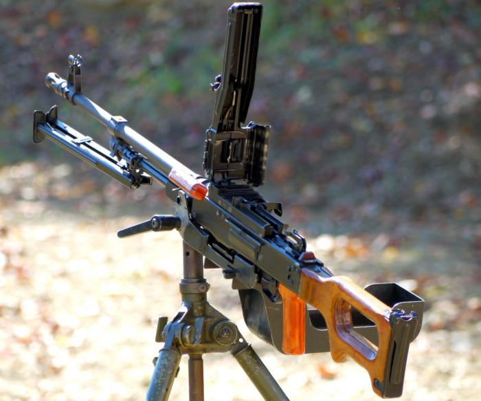 Адаптированный боевой пулемет. |Фото: artfile.me.