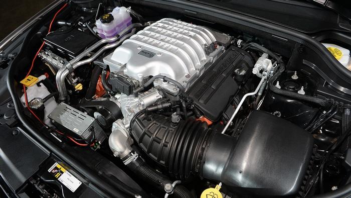 Двигатель Jeep Grand Cherokee.