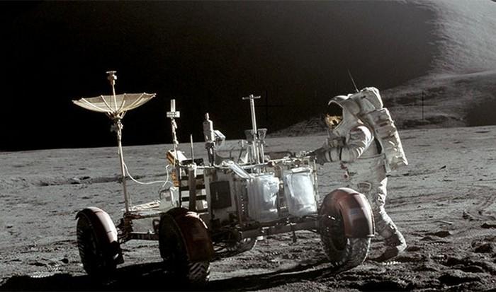 Лунная физика.