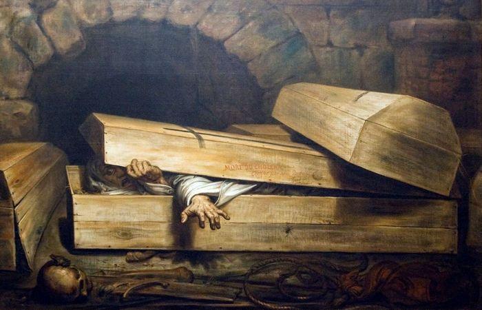 Пробуждение в гробу.
