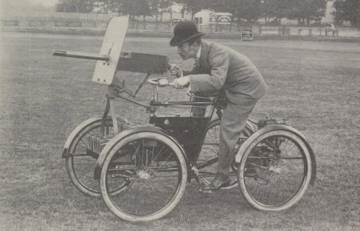 Моторизированный велосипед-пулемёт и прочие викторианские странности.