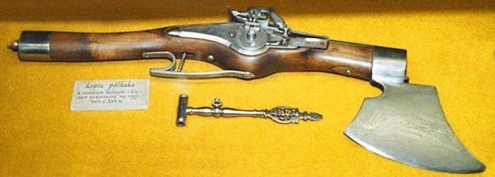 Польский пистолет-топор.