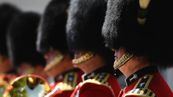 Гвардия - это не потешный полк. |Фото: news.sky.com.