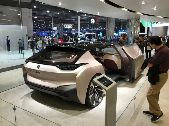 Вот таки видит автомобили китайская компания Nio.