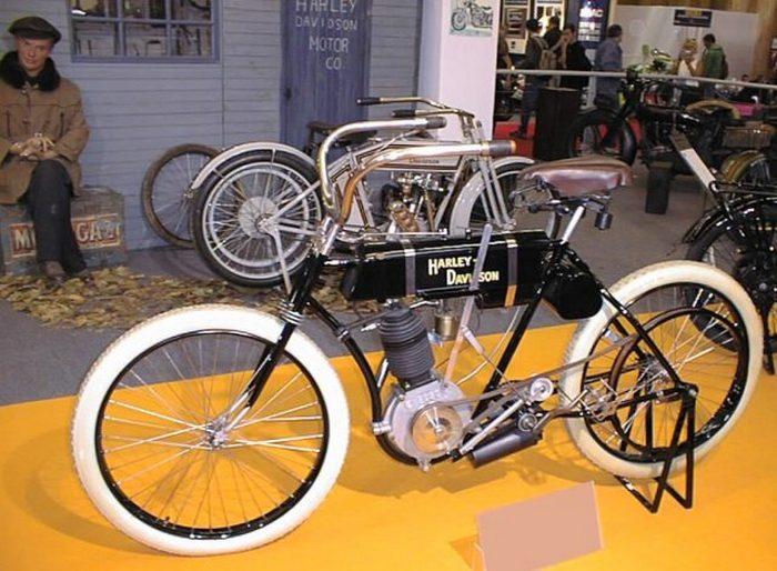 «The First» - первый мотоцикл от Harley-Davidson, разработанный Уильямом Харли, Артуром Дэвидсоном и его братьями