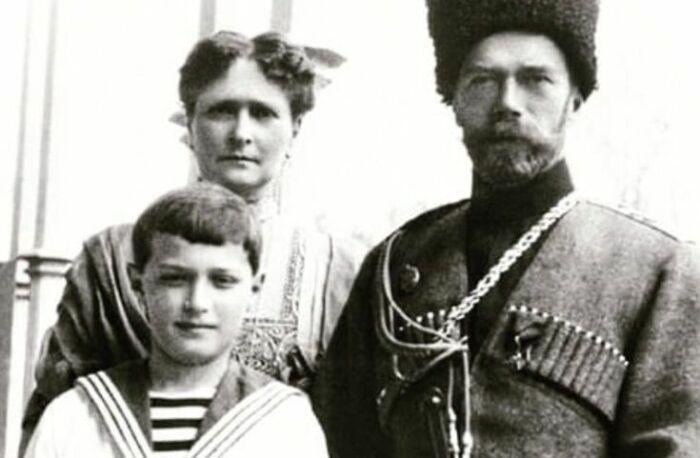 Даже русские цари носили газырницы. |Фото: Pinterest.