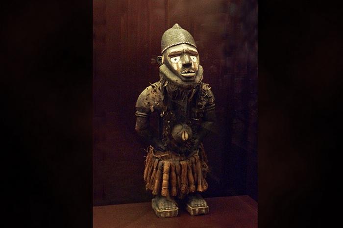 Нкиси Нконди и другие проклятия разных времён и народов.