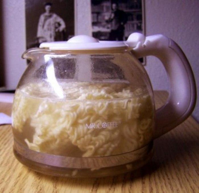Кофеварка - для того, чтобы приготовить обед и сварить пиво.