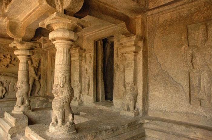 Пещерный храм Вараха