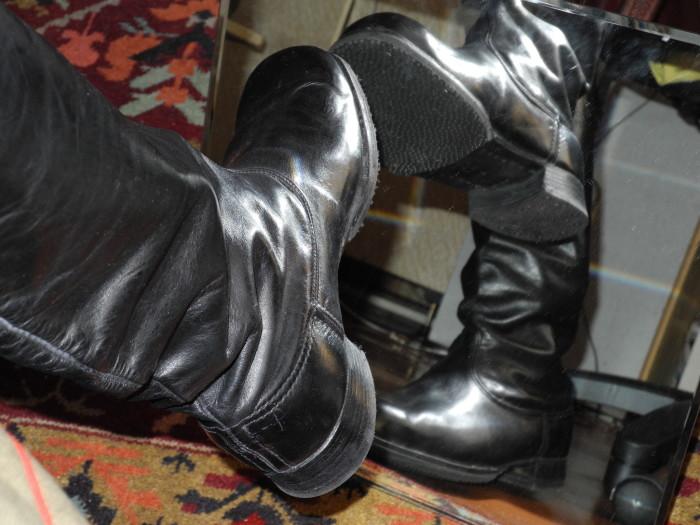 Хромовые сапоги - это сапоги из натуральной кожи. |Фото: m.my.mail.ru.