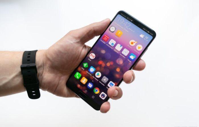 Смартфон Huawei P20 Pro получился очень большим.