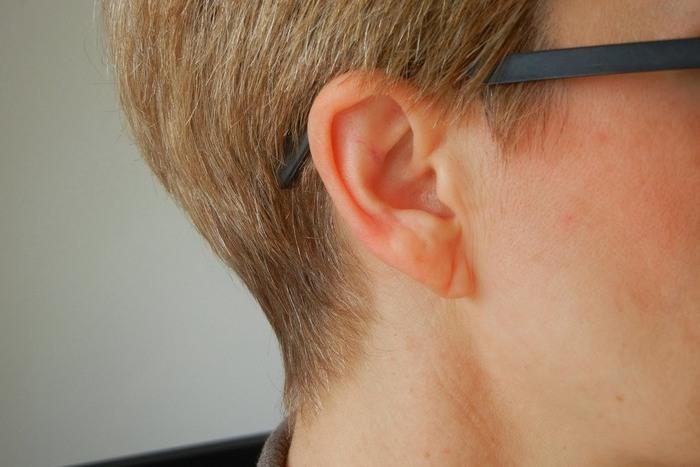 Невероятный факт: диагональные складки на мочке уха - признак болезни сердца.