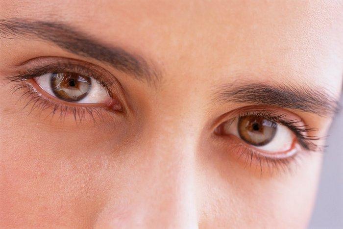 Невероятный факт: темный цвет глаз - предрасположенность/чувствительность к алкоголю.