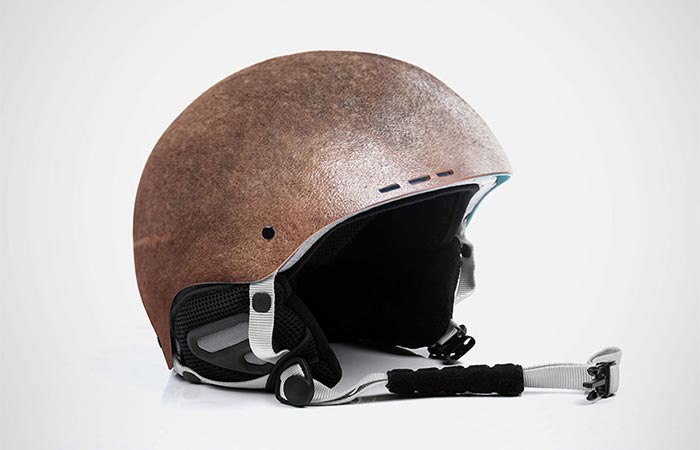 Шлем как продолжение мотоциклиста.