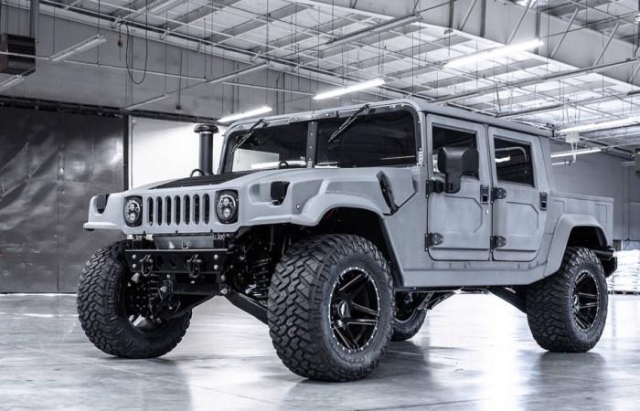 Большой и крутой Hummer H1 вернулся.