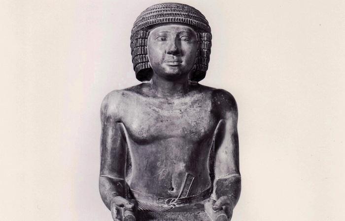 Запрет на продажу статуи Сехемка продлится до марта 2016 года.