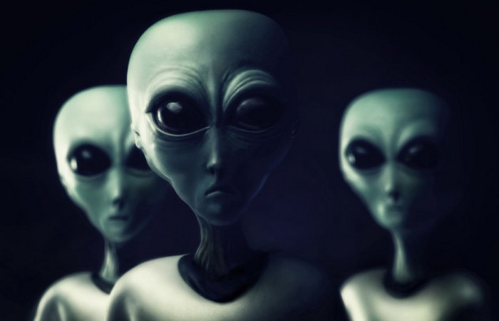Инопланетяне, пирамиды, космос и немного глупости.