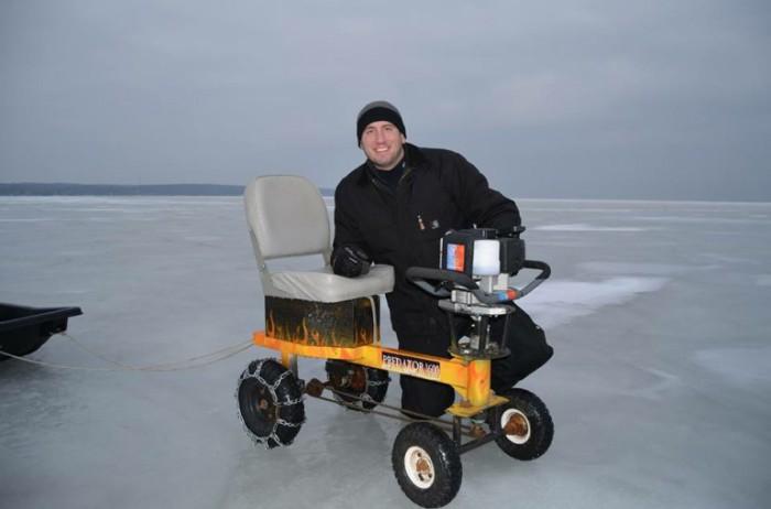 Комфортная рыбалка с Ice Auger Machine.