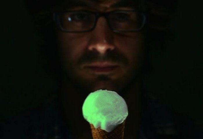 Мороженое «Люминесцентное».