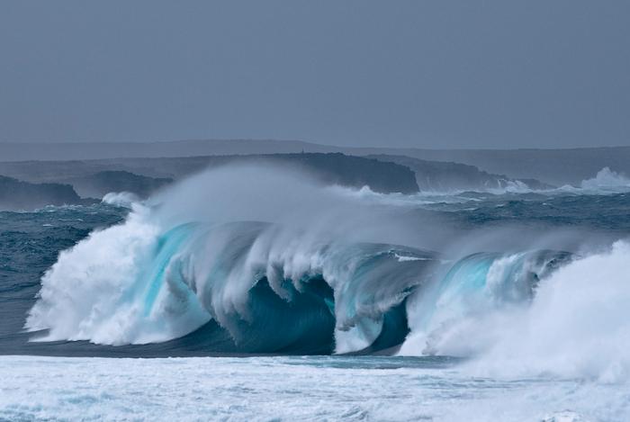В случае разлома подымется нешуточная волна.