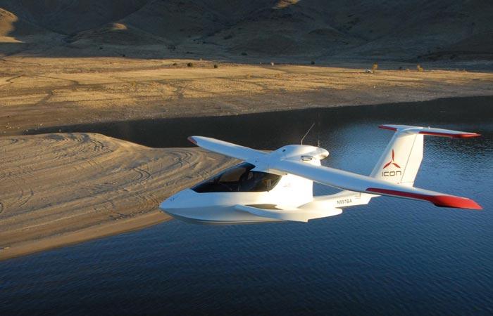 ICON A5 - малоразмерный самолёт амфибия.